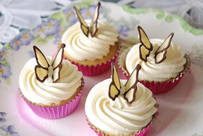 Fairy Cakes White Choc Blue China Erflies